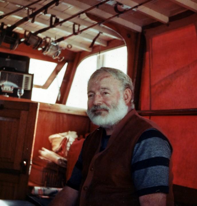 Ernest_Hemingway_1950